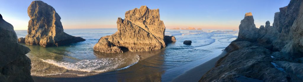 bandon_oregon_tyandnat_travel_trailer_music_tyrell_natalie_peterson_sitko_face_rock
